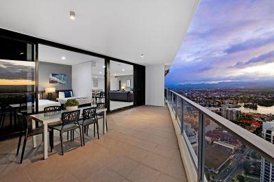 Luxurious 45th-floor Sub-Penthouse