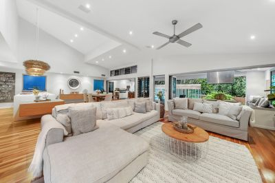 Show-stopping beachside residence, the epitome of laid-back luxury