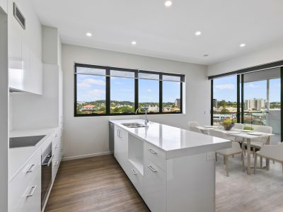 Top Floor 3 Bedroom Living
