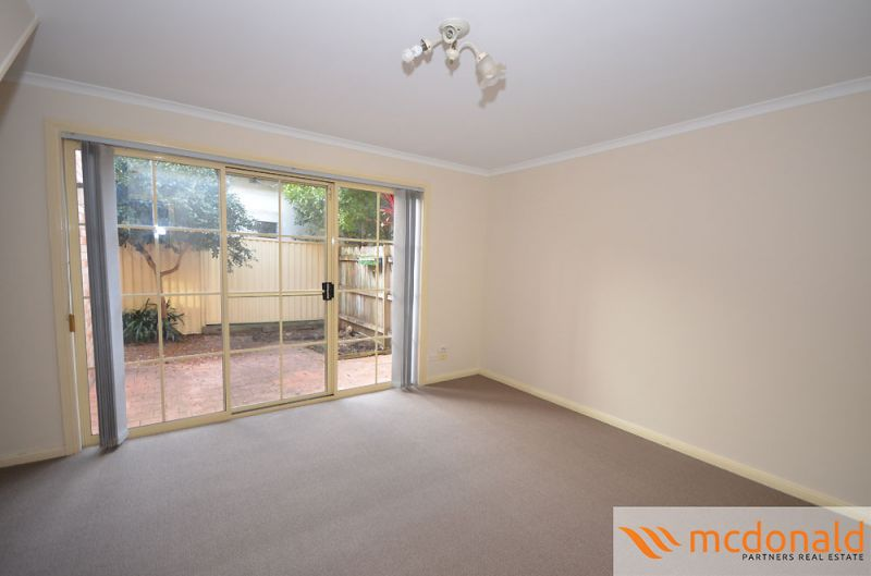Townhouse Located in Quiet Location