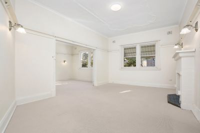 DEPOSIT TAKEN High Ceilings, Vast interiors, Freshly Painted, 1LUG....