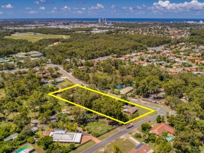 Family Home on Large Block with Potential For Development Opportunities !
