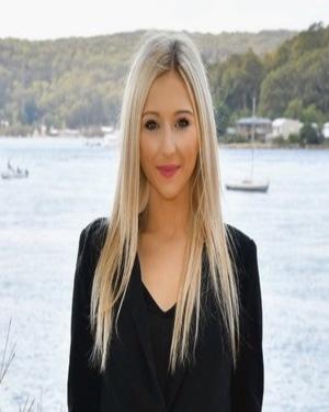 Daniela Sanna real estate agent