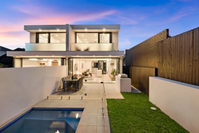 Brand New Architect-Designed Contemporary Showpiece