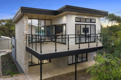 CUTTING-EDGE STYLE OFFERS UNSURPASSED LUXURY