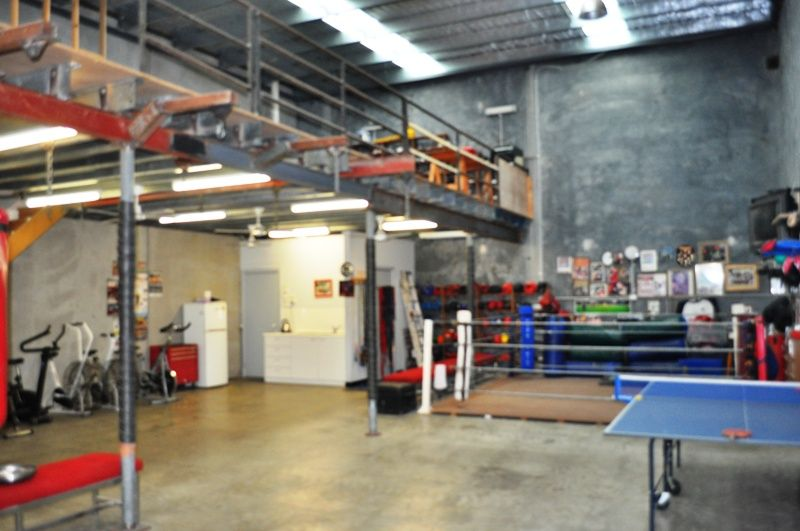 Rare Opportunity!!!! Vacant Possession - Modern Factory