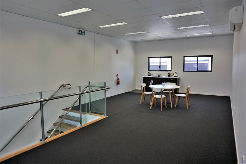 124m2* TINGALPA RETAIL OR OFFICE SPACE