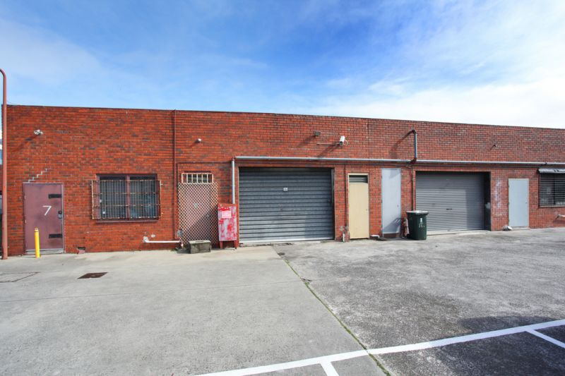 NEPEAN HIGHWAY RETAIL OPPORTUNITY - IN THE HEART OF THE ACTION