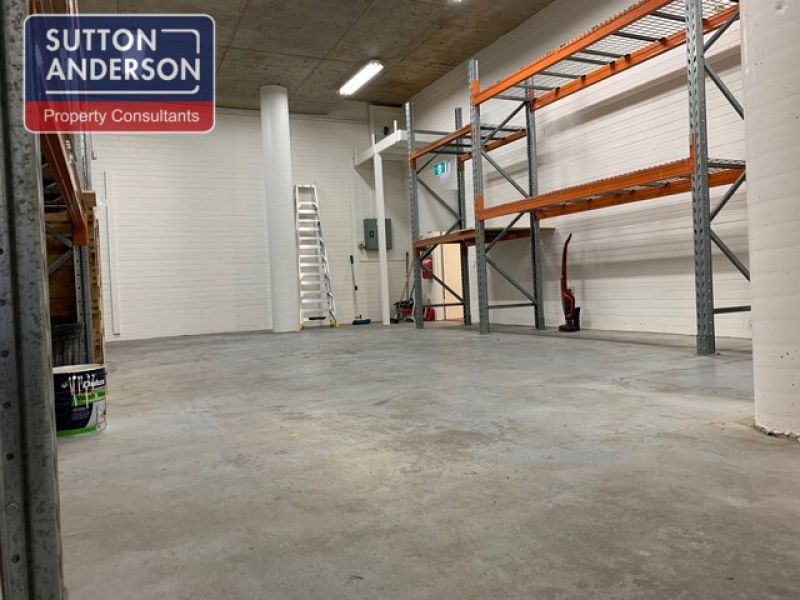 Modern Office/Warehouse In Ideal Location