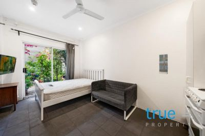 = HOLDING DEPOSIT RECEIVED = AFFORDABLE AND CONVENIENTLY LOCATED FURNISHED STUDIO