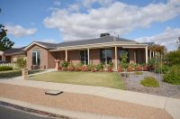 Executive Townhouse in Horsham West Area