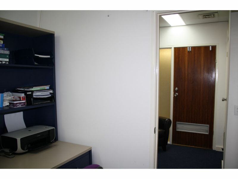 2 Interconnecting offices with separate entry doors externally
