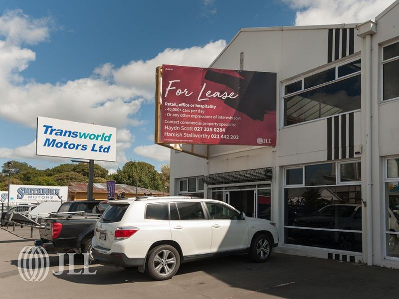 Expose your business on Moorhouse 40,000 plus car parks per day