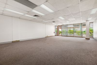 HIGH QUALITY OFFICE IN THE CENTRE OF BOUNDARY STREET!