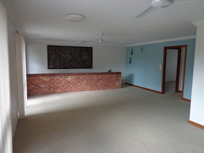 Centrally located unit - Fully Air-conditioned