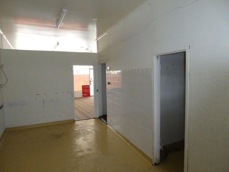 Compact Retail Space - Newnham