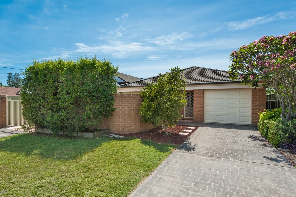 6 Murray Street Booker Bay 2257