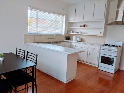 Rooms for Lease/Share House/Fully Renovated and Furnished