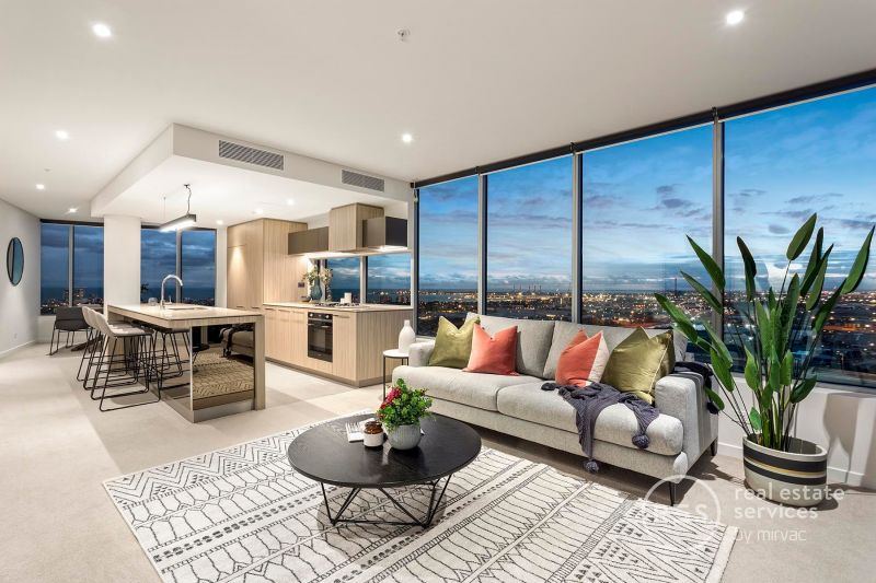 Stunning sub-penthouse living with breathtaking bay vistas