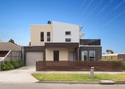 Modern, Spacious, Designer Home – Offering a great lifestyle, luxury, and location.