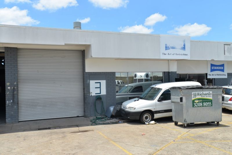 Industrial Warehouse with Spray Booth!