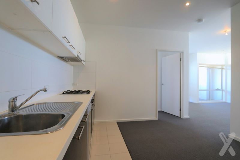 LARGE - 2BR Apartment with CARSPACE! Fresh Reno - 90 SQUARE METERS IN SIZE! + CITY VIEWS!!! ------->> PRIVATE INSPECTIONS AVAILABLE!!