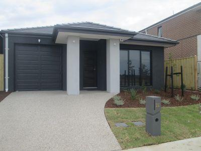 Near New 3 Bedroom house In Williams Landing!!
