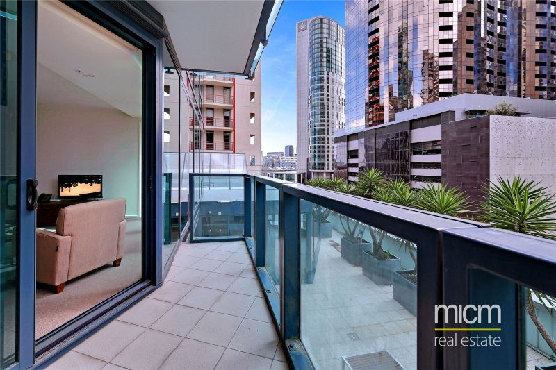 Southbank One: 9th Floor - Southbank Living at Its Finest!