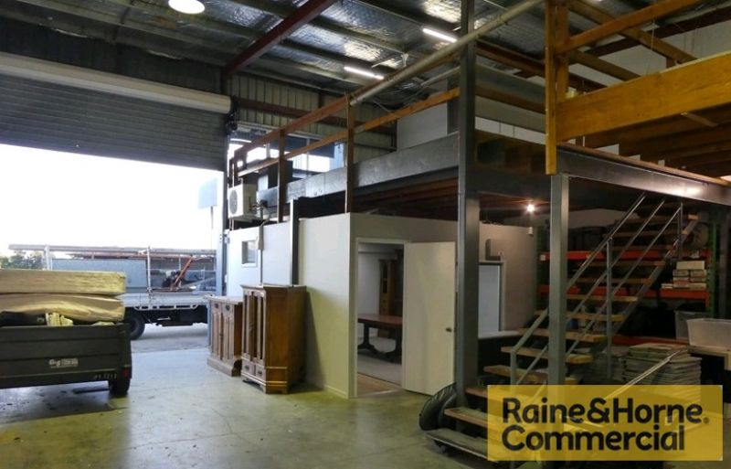 Warehouse / Office / Man Shed