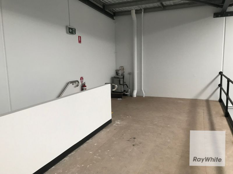 Quality Office/Warehouse in Busy Location