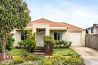 Spacious Three Bedroom House Perfect For Family!