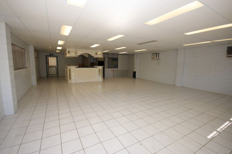 Fantastic Warehouse/Showroom/Office Priced Right