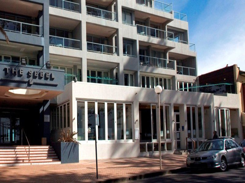 Manly Beachfront Hotel