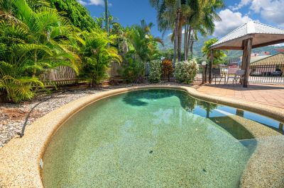 SPACIOUS TWO STOREY TOWNHOUSE IN THE HEART OF REDLYNCH VILLAGE