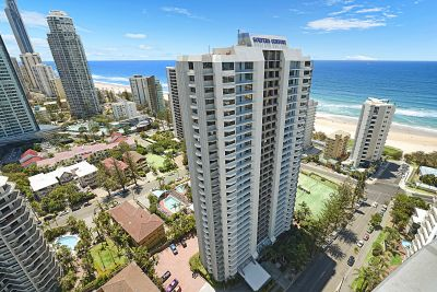 Fantastic Apartment in 'Surfers Century' with Ocean Views