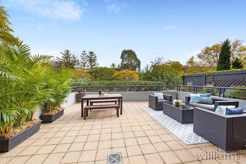 A Sun-Filled Garden Apartment in Abbotsford Cove
