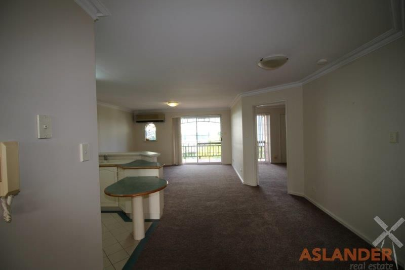 SPACIOUS APARTMENT - POOL AND BBQ AREA - RIVER GLIMPSES