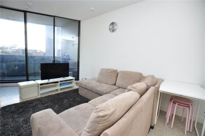 Furnished Stunner in the Heart of South Yarra!