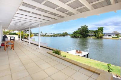 Family Home with Pool on the Main River!!!!