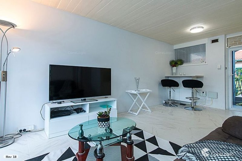 RENOVATED FULL FURNISHED APARTMENT