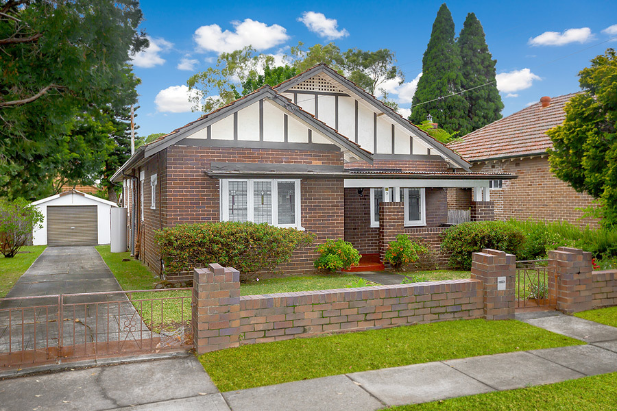 3 Coonong Road, Concord West