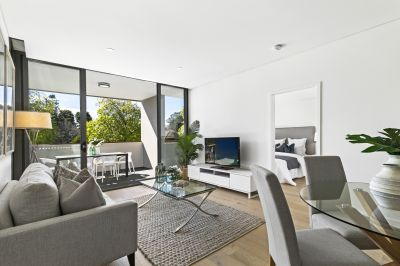 Near-new north-facing apartment in the heart of St Ives