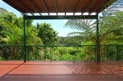 Large modern Gold Coast hinterland home