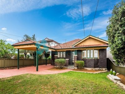 CHARACTER FILLED FREESTANDING HOME OPEN FOR INSPECTION: SAT 15 NOVEMBER - 11:00 TO 11:30AM