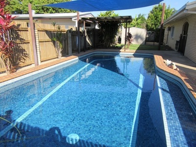 SPACIOUS FAMILY HOME AND POOL $315,000