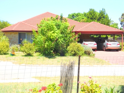 2011 Built 5 x 2 TWO LIVING AREAS - Kelmscott Gifted School Catchment Area - Massively Reduced - EXCELLENT Bargain Value - Positive Cashflow - Offers