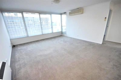 City Condos: 17th Floor - Fantastic Central Location!