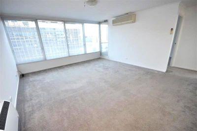 City Condos: 17th Floor - Fantastic Central Location!