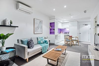 Live in the World Class Quays Complex!