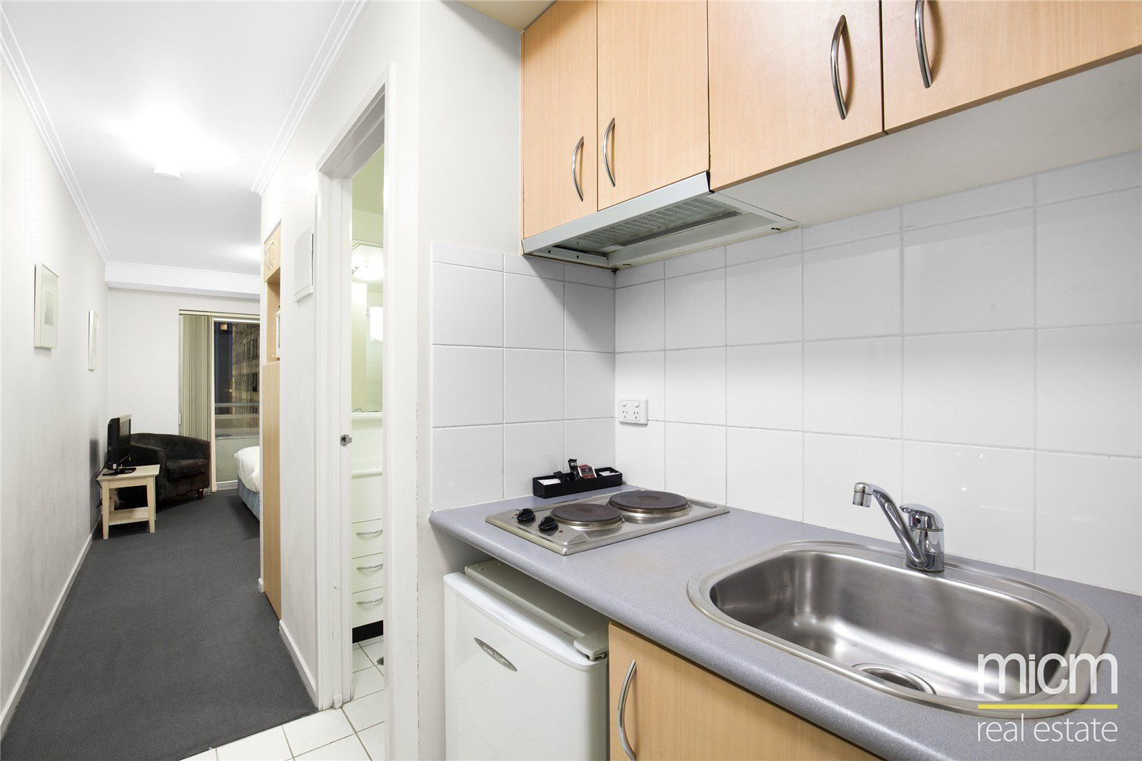 Stargate Apartments: Stunning Studio Metres from Queen Victoria Market!